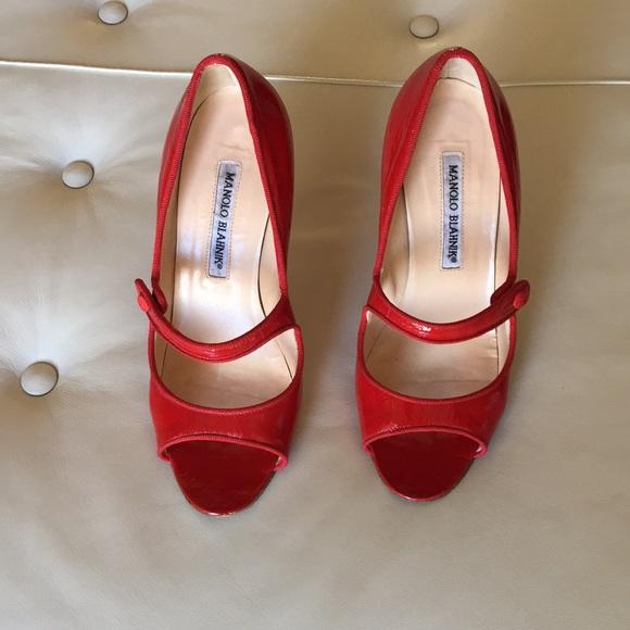 92d6b0d20ce Manolo Blahnik Red open toe Mary Jane heels Sz 7